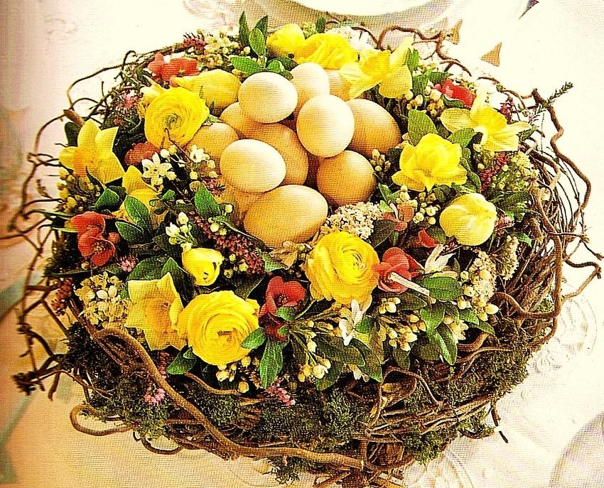 Apparecchiare e decorare la tavola di pasqua ieri oggi for Centrotavola pasquali fai da te