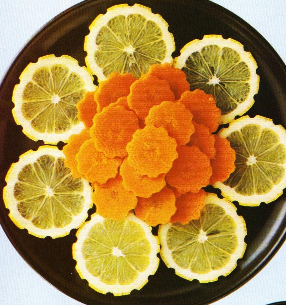 Decorazioni con frutta e verdura ieri oggi in cucina for Sculture di fiori