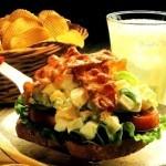 Crostone con insalata di uova e pancetta (2)