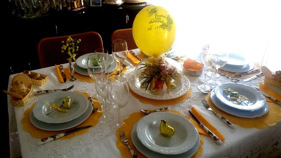 Pranzo per la festa della donna da carolina e marinella - Tavole da pranzo ...