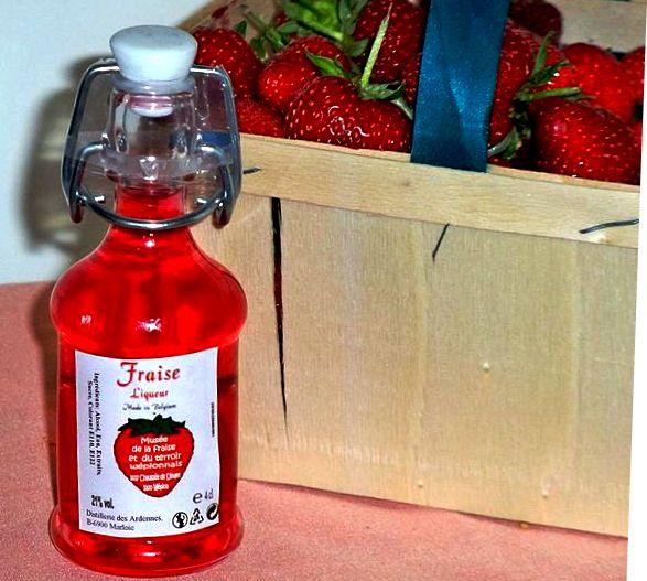 Liquore di fragole alla maniera di Petronilla