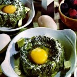 Uova di quaglia nel nido con salsiccia