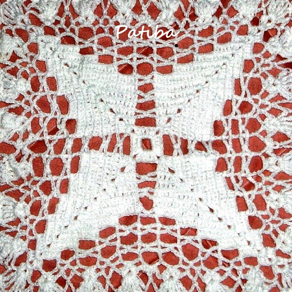 copriletto all uncinetto di cotone bianco a piastrelle