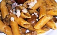 Pasta corta al sugo di porcini e castagne