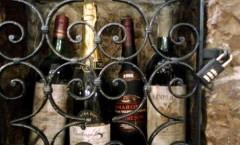 Servire il Vino ad ogni vino il suo bicchiere Abbinamento cibo-vino