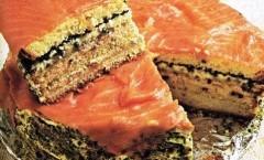 Torta salata al salmone e caviale