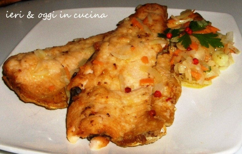 Filetti di trota salmonata con aceto e verdure