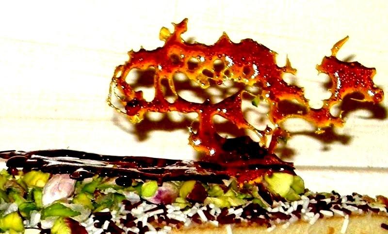 Torta al croccante con crema e maraschino