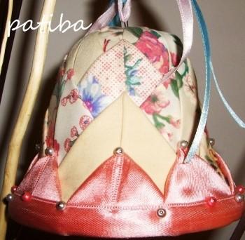 Decorazioni con il patchwork su polistirolo: campana, cuore...