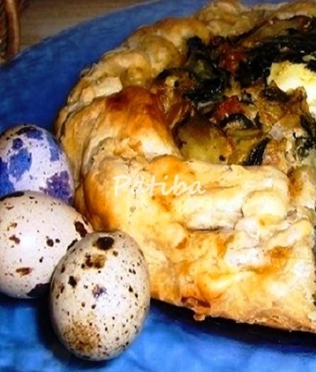 Crostata rustica con uova di quaglia e salsiccia