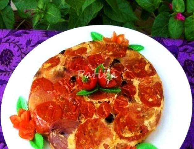 Torta rovesciata di pomodori e cipolle