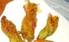 Fiori di zucchina al forno ripieni di riso