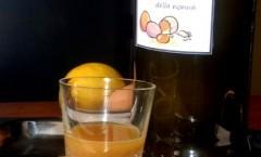 Liquore di uova col guscio