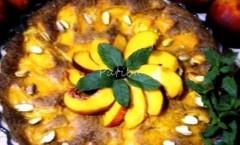 Torta di pesche fresche e mandorle