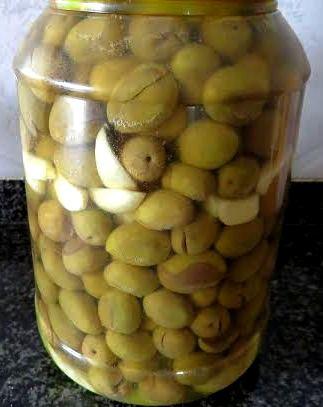 Olive in salamoia alla maniera di Petronilla