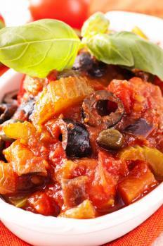 caponata di melanzane, ricetta della tradizione siciliana