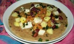 Jota, minestra di fagioli con crauti e patate