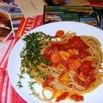 Spaghetti bil zalza istuffat tal-fenek,