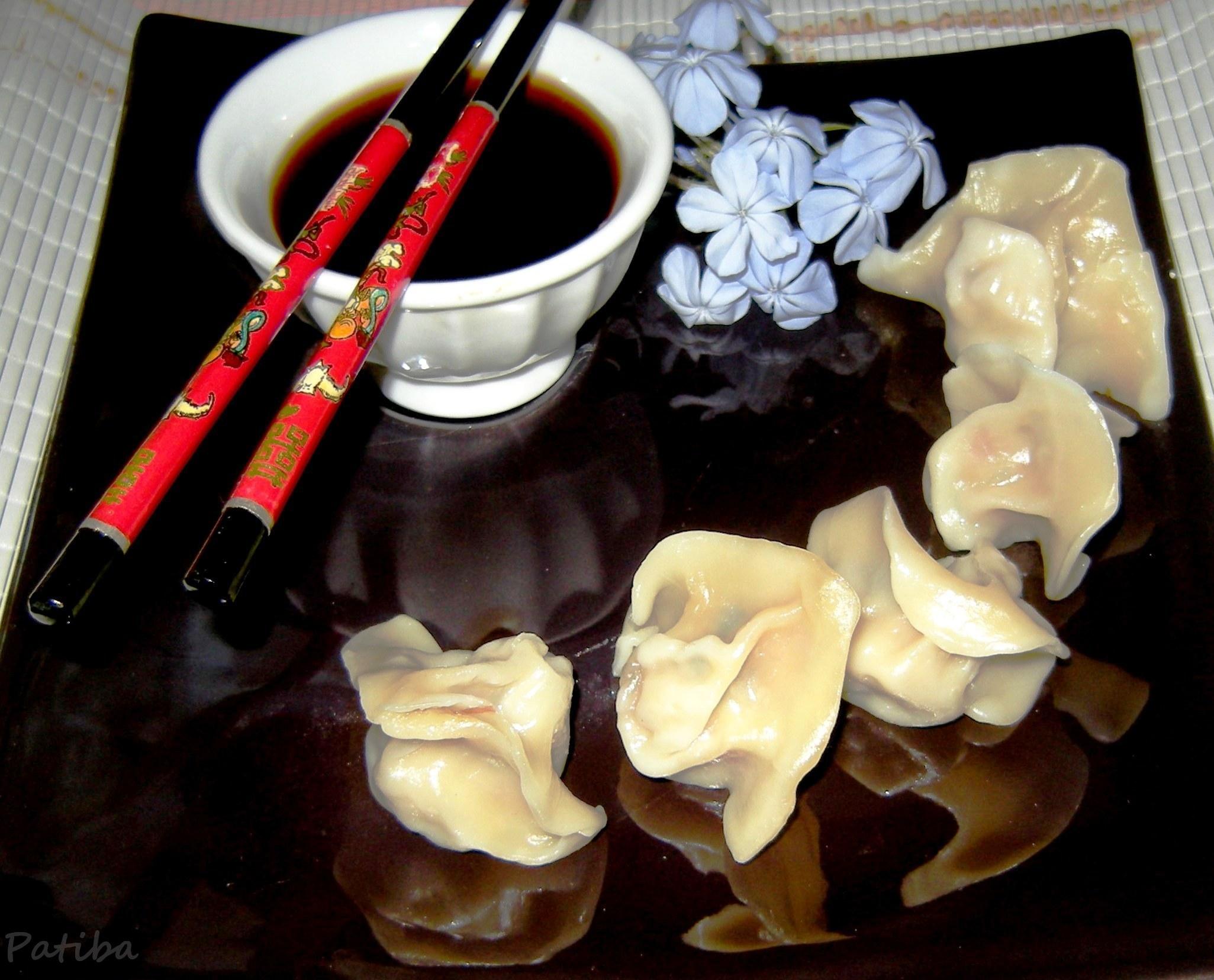 Ravioli cinesi al vapore con verdure