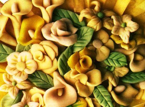 Fiori di Marzapane con la pasta di mandorle