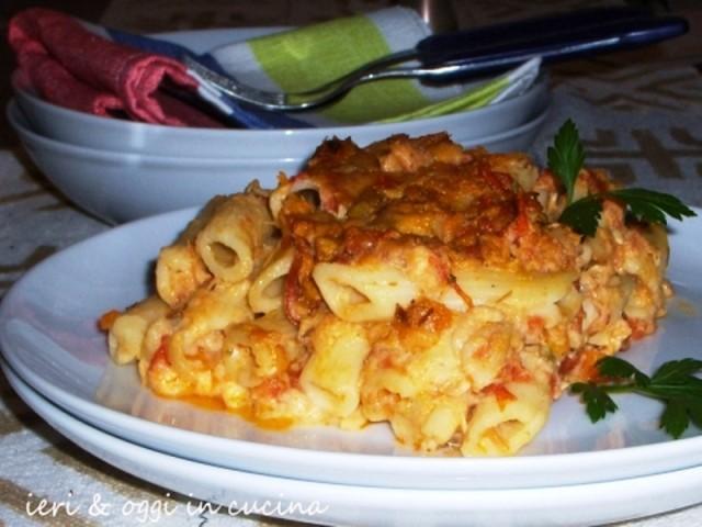 Pasta al forno con ragù di pesce