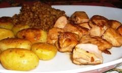 Bocconcini di salmone con lenticchie e patate