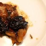 Stufato al vino bianco in salsa di prugne ed albicocche