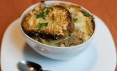 Soupe à l'oignon française, Zuppa di cipolle