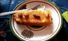 Torta matta con marmellata di melone e mandorle