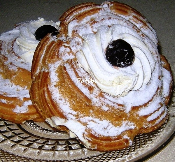 Zeppole di San Giuseppe: al forno e fritte, con Crema e alla Panna