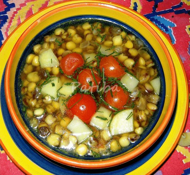 Zuppa di cicerchie con pomodorini e peperoncino