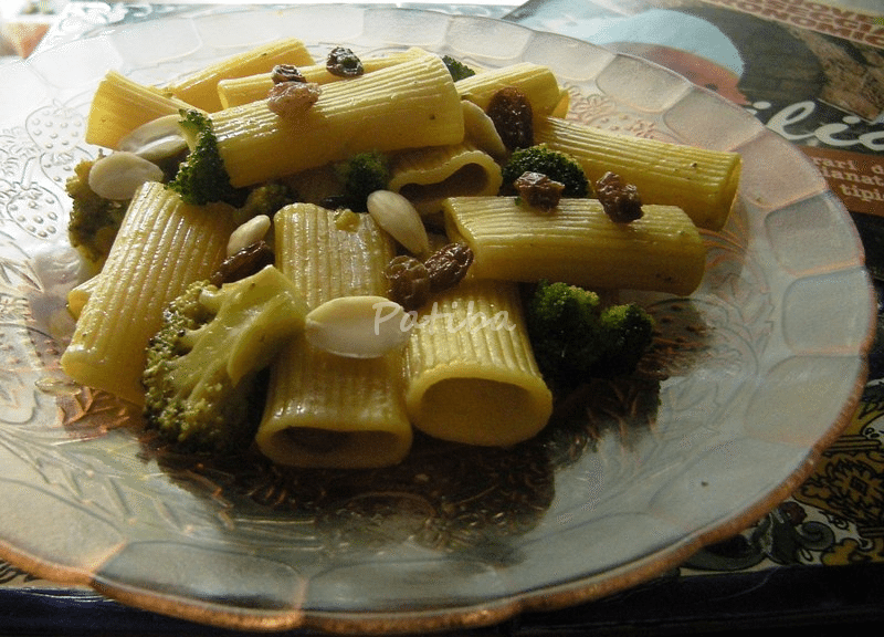Pasta con i broccoli in tegame