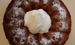 Pasta lievitata: Il Babà dolce tipico della pasticcieria napoletana