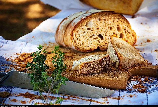Come si mangia e come si serve il Pane