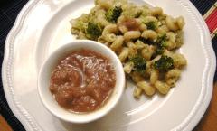 Cellentani con i broccoli alla crema di cipolla rossa