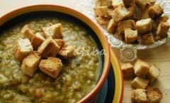 Crostoncini o crostini, guarnizione per minestre e zuppe