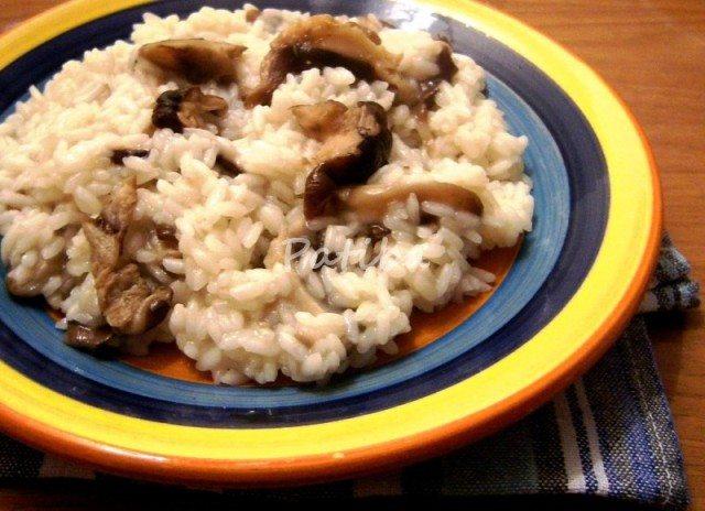 Riso con funghi shiitake freschi