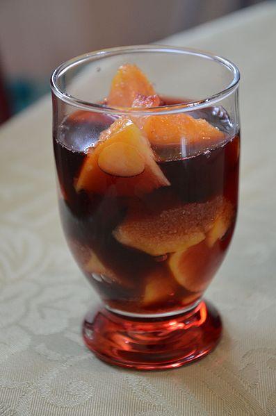 Pesche al vino rosso con cannella -Pêche_au_vin