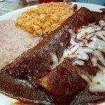 salsa Mole_enchilada_Las_Manitas