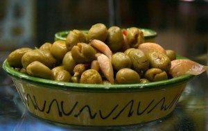 Alivi cunzati (Olive condite) alla siciliana